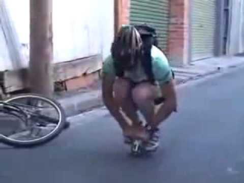 как кататься Маленьком велосипеде