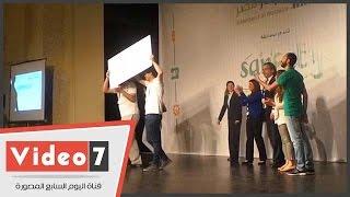 """بالفيديو.. """"إنجاز مصر"""" تكرم الطلاب المخترعين بـ 100 ألف جنيه"""