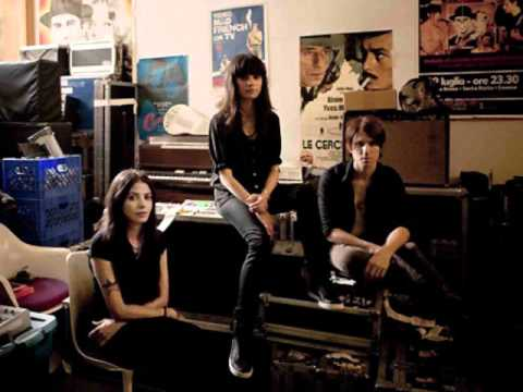 School of Seven Bells - Heart is Strange