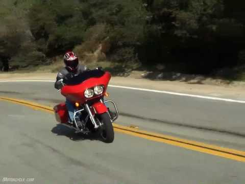 2010 Harley-Davidson Road Glide vs. 2010 Victory Cross Country - American Bagger Battle