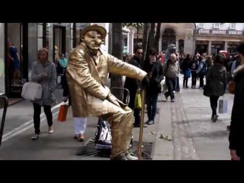 The Floating and Levitating Man.  TRICK REVEALED !!! London. Street Performer
