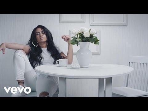 Bibi Bourelly, Earl St. Clair Perfect. pop music videos 2016