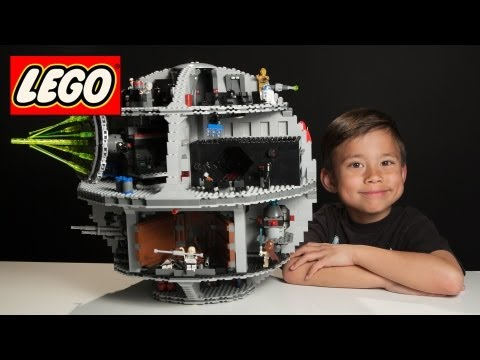 7-Year-Old Builds LEGO DEATH STAR in 3 minutes! - Time-lapse Build of LEGO Star Wars Set 10188