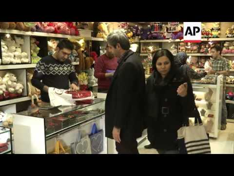 Lovers in Iran celebrate Valentine's Day