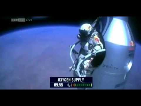 Felix Baumgartner - FREE FALL 2012 WORLD RECORD JUMP LIVE VIDEO 39km High