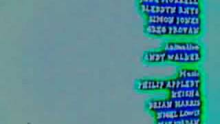 Watch Tracy Beaker Theme Tune video