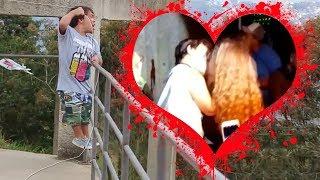 Anão Pipeiro Ganhou Beijo na Boca da Menina