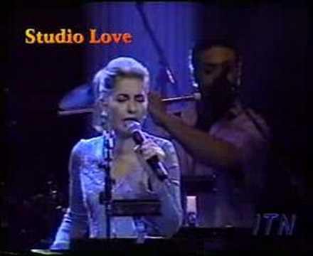 IRAN GOOGOOSH live in concert (IRANIAN SINGER)