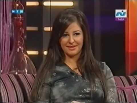 صور الفنانه هديل خير الله صاحبة دور الطفلة بلية مع فيلم عمرو دياب