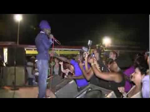 Sizzla: 'Woman I Need You', Roots Bamboo, Negril, Jamaica 2014