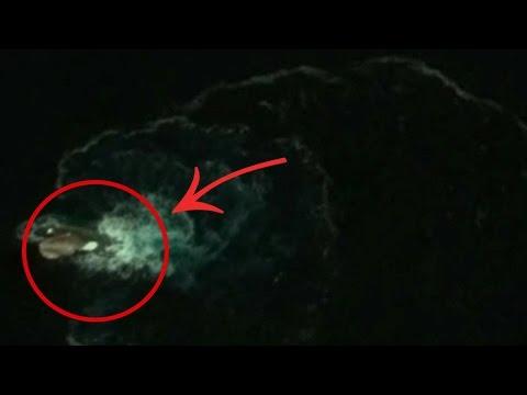 Supuesta Criatura Colosal Captada en el Mar por Google Earth | ¿El Kraken en la Antartida?