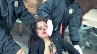 IMPRESIONANTE Policías golpean a mujer borracha (VIDEO)