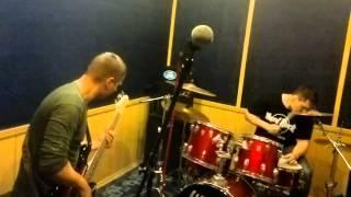 Импровизация (бас и ударные)