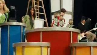 Watch Alvin & The Chipmunks Bring It On video