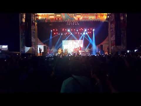 Totalfat - Place To Try (Opening Song Jakarta) Stellar Fest 2018