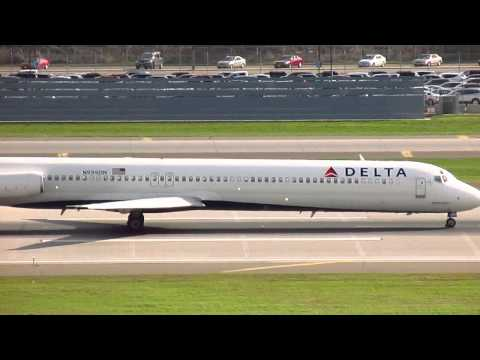 Delta Airlines MD-88 [N999DN] Taking-Off at Minneapolis/ St. Paul International Airport
