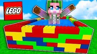Construyo una piscina de LEGO en MINECRAFT