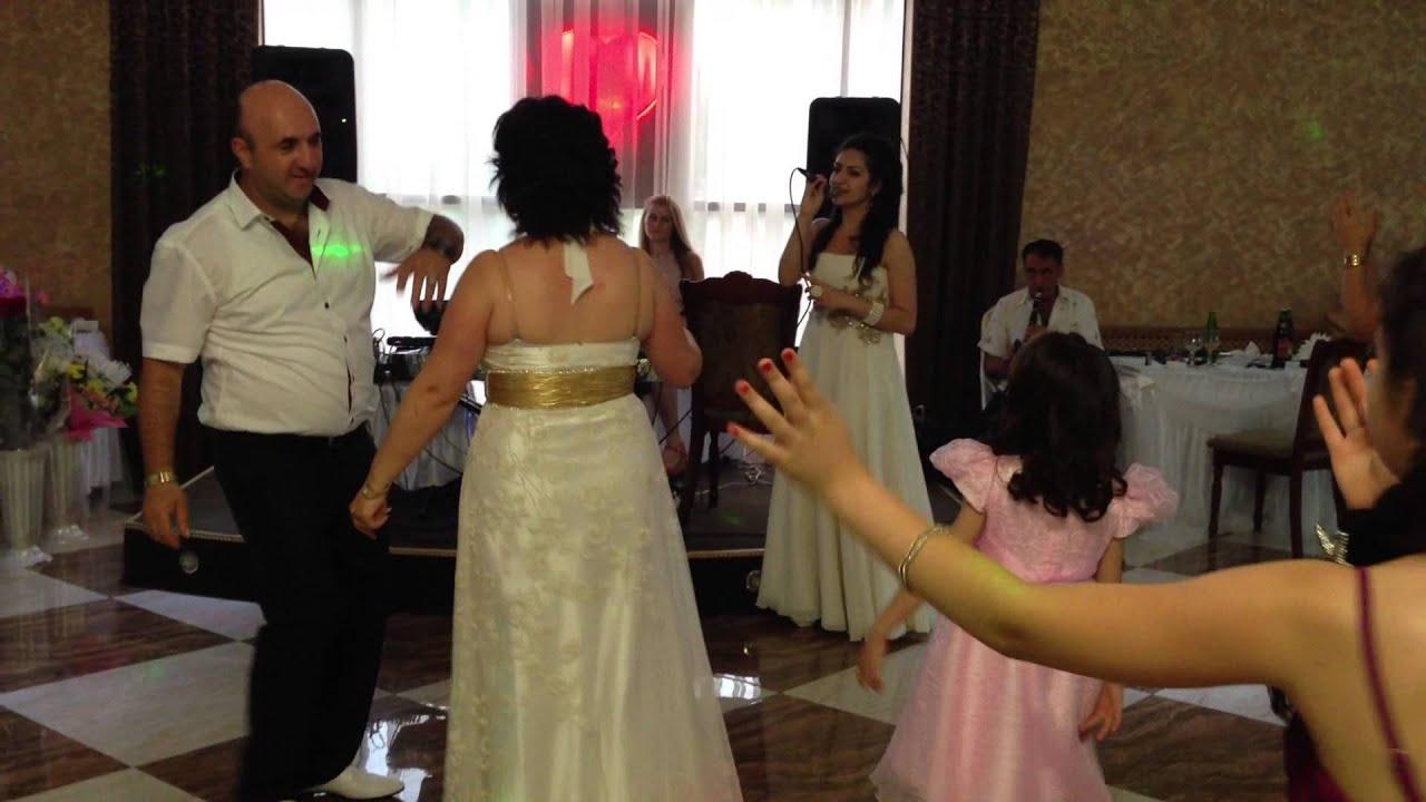 Что дарят родителям на свадьбе и почему нужно сделать такой 262