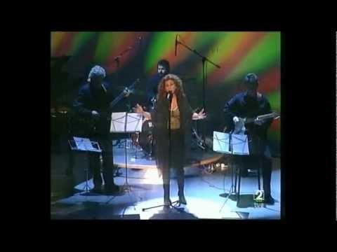 Lolita, Rosario y Antonio Flores, cantan a Serrat
