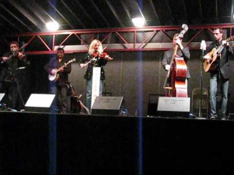 Rhonda Vincent - Just Someone I Used To Know