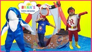 SUPERHERO KID SHARK attack dolphin! Ryan ToysReview T-Shirt Treasure Hunt Surprise Toys Kid Candy