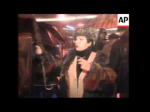 SERBIA: BELGRADE: DEMONSTRATORS CLASH WITH POLICE FOR 2ND NIGHT