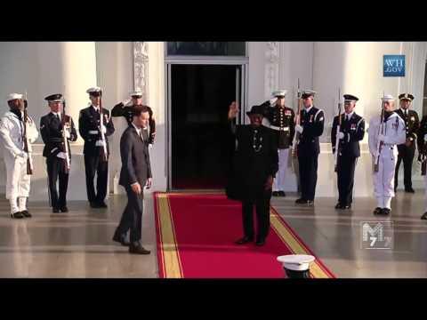 Nigeria president Jonathan Goodluck arrives at the White House Diner