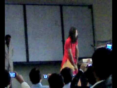 Siit College Sialkot Welcom Party 2009 Dance 1.wmv