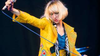 Watch Yeah Yeah Yeahs Slave video