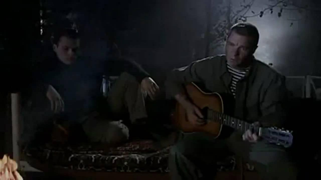 песня в переулках знакомых