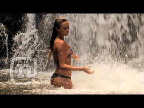 Alana Blanchard Wild On The Na Pali Coast: Alana Surfer Girl, Ep 103