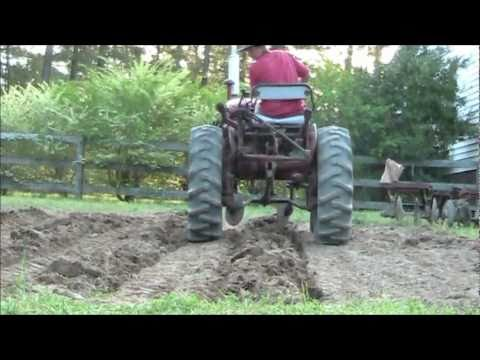 Farmall 140 making rows