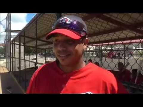 Aderlin Mejia trabaja fuerte para lograr un puesto en el Escogido
