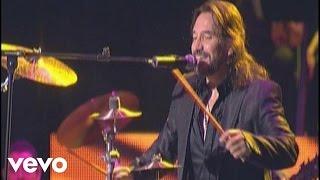 Marco Antonio Solis Video - Marco Antonio Solís - M�s Que Tu Amigo (Live)