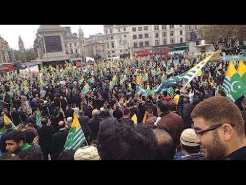 [WATCH] 'Million March' in London: Bilawal Bhutto Booed Attacked With Eggs, Tomatoes in London