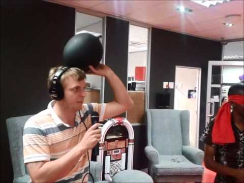 Siesta on OFM - Blindfold rugby with Francois Venter
