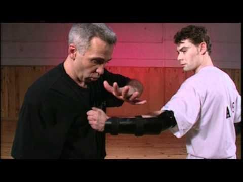 Instruction  Tonfa par Robert Paturel