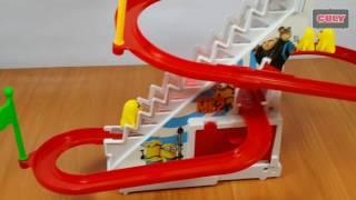 Đồ chơi cầu trượt Minion và đua chó đốm toy for kids