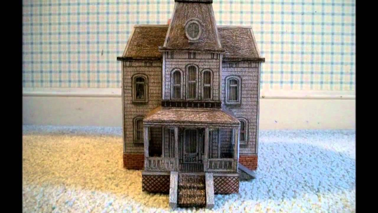 Paper model of the bates motel house from the movie for Model house movie