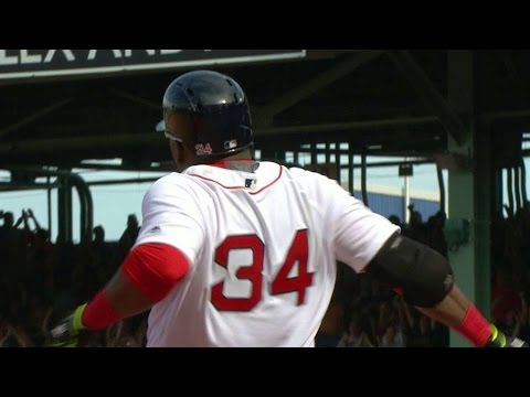 HOU@BOS: Ortiz hammers a game-tying triple in the 9th