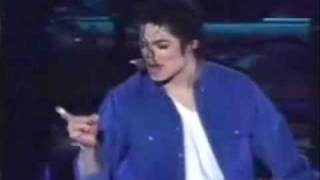 Sexy boy Michael Jackson hot moves O_o