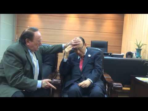 Prayer time with Pastor David Yonggi Cho!