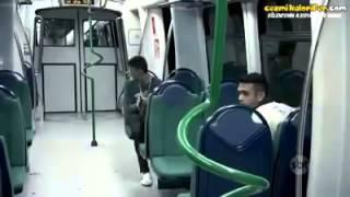 Metroda qorxulu zarafat 18