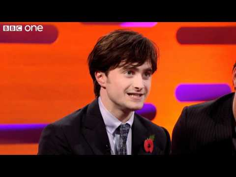 Daniel Radcliffe sings