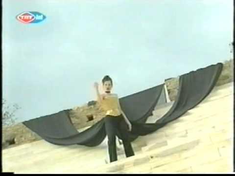 ESC 2002 Preview FYROM Od nas zavisi - Karolina Goceva