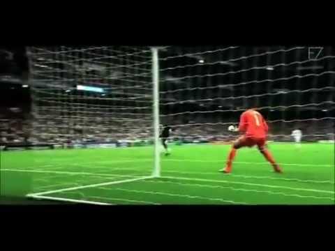 Cristiano Ronaldo Vs Lionel Messi (what Started It All) video