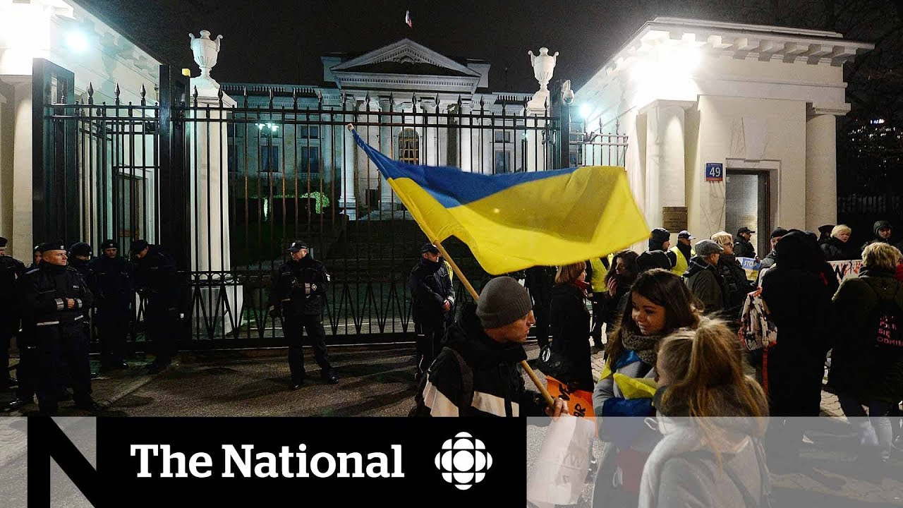 Ukraine imposes martial law as tensions with Russia escalate