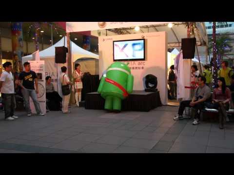 Robots - Robot android bailando loco
