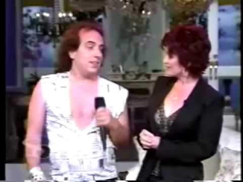 "Har Mar Superstar Performs ""Body Request"" on Sharon Osbourne"