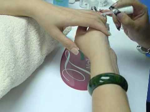 Harmony Gelish LED UV Soak Off (可卸式) Color Gel 示範